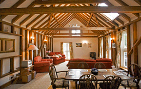 Little Dodges holiday cottage, Goudhurst, Kent, UK: Living room